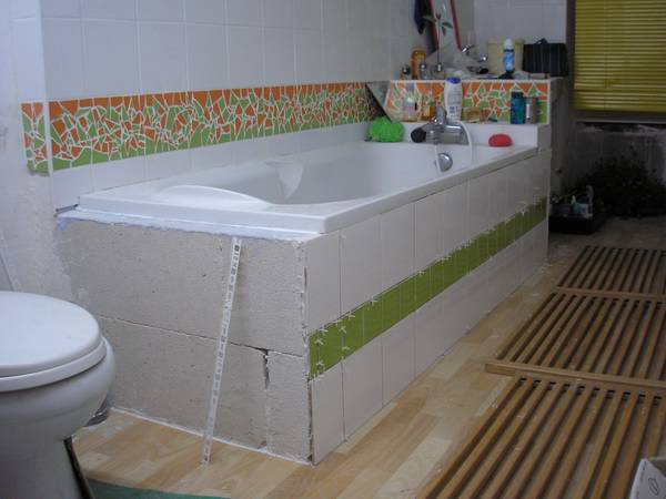 Entourage de baignoire id es de conception sont int ressant - Entourage de baignoire ...